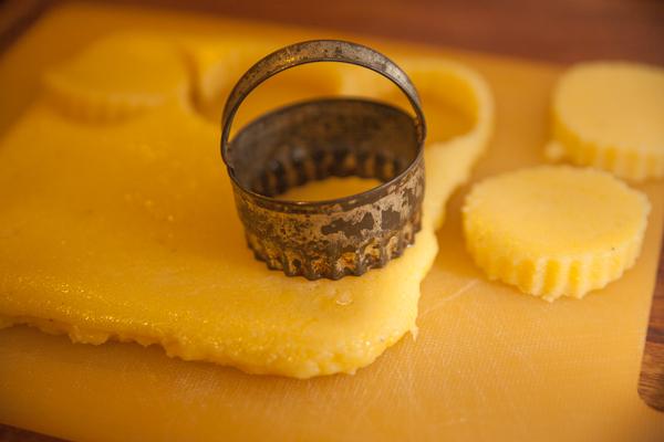 how to make cheesy polenta